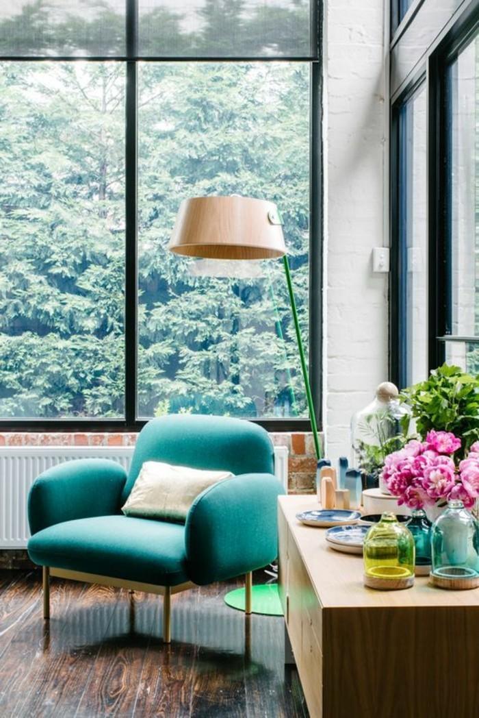 Design-Wohnzimmer-sitzecke-mit-blumen