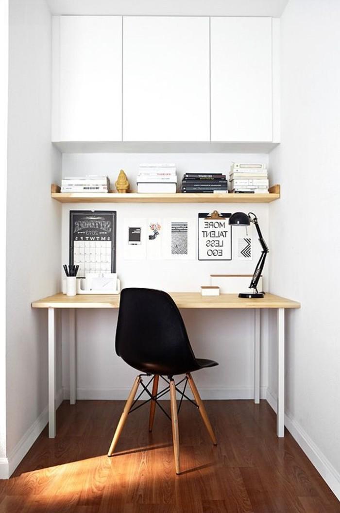 Einrichtungsidee-für-Arbeitszimmer-weißer-Schreibtisch-schwarzer-Stuhl