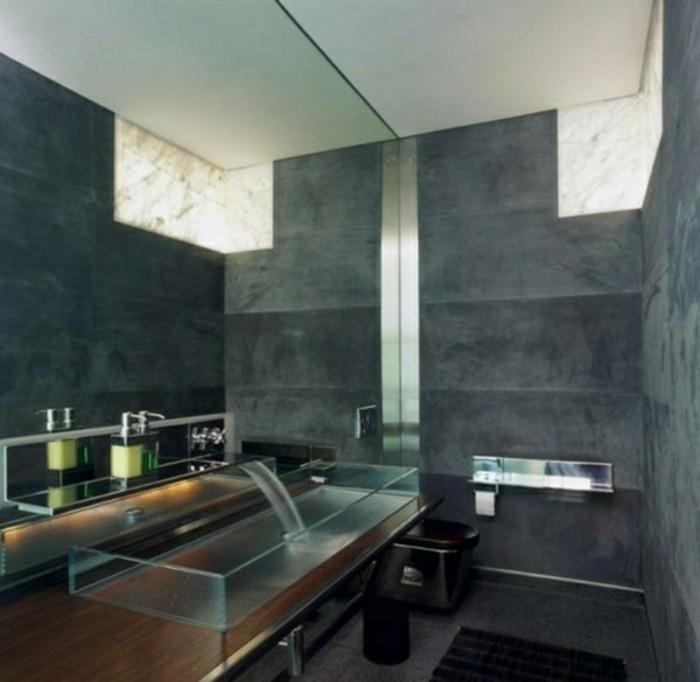 Glas-Waschbecken-große-marmor-fliesen