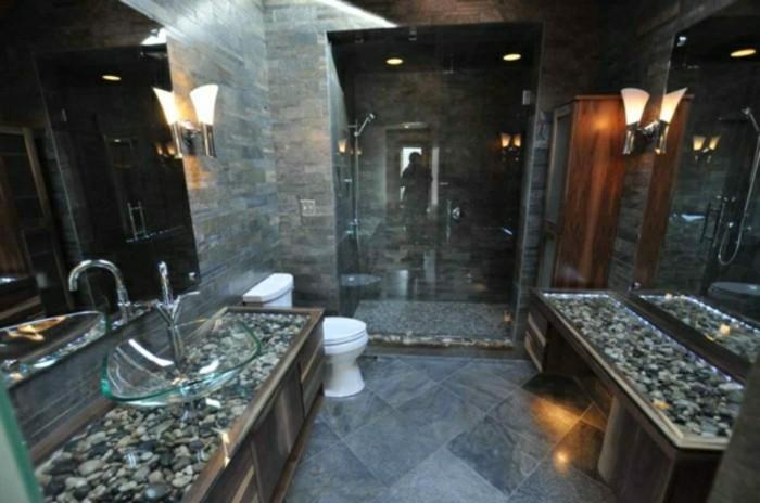 Glas-Waschbecken-in-modernem-badezimmer