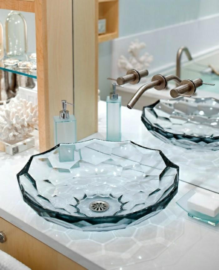 Glas-Waschbecken-marmor-und-holz