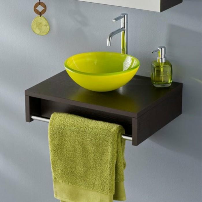 Glas-waschbecken-grün-tuch