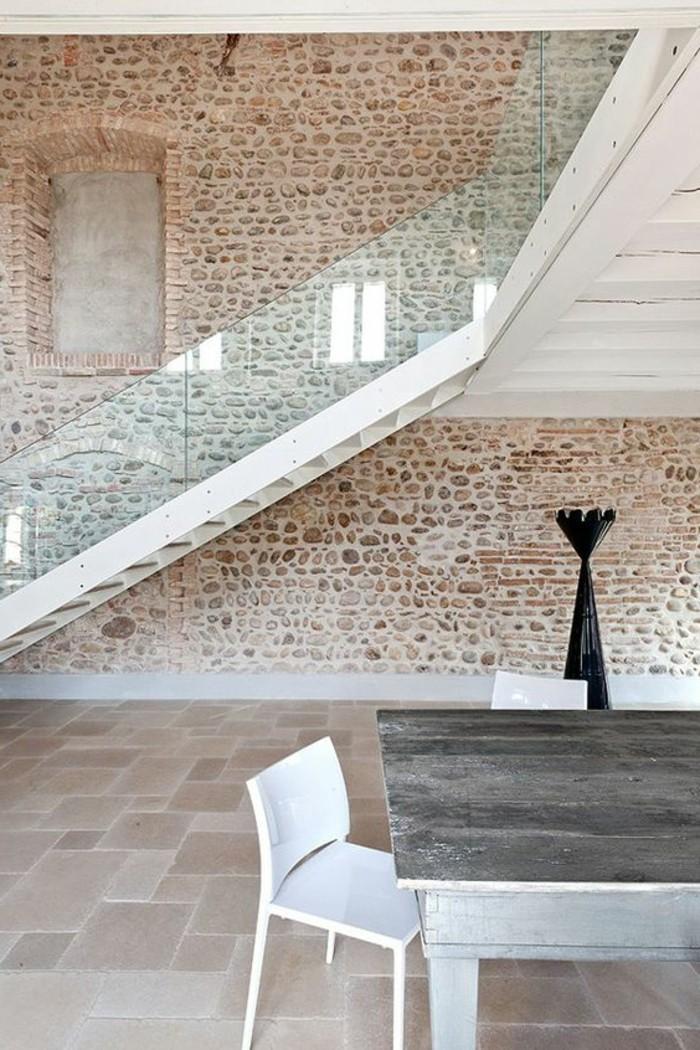 Treppe mit glasgel nder f r schickes interieur for Claustra interieur en verre