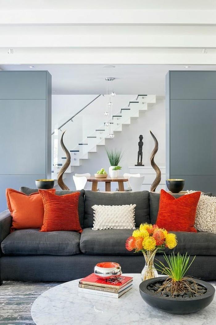 Glasgeländer-Treppeals-hintergrund