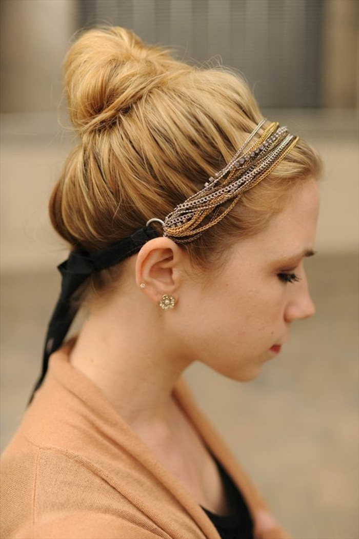 Haarschmuck-gemacht-von-Ketten-schickes-Accessoire