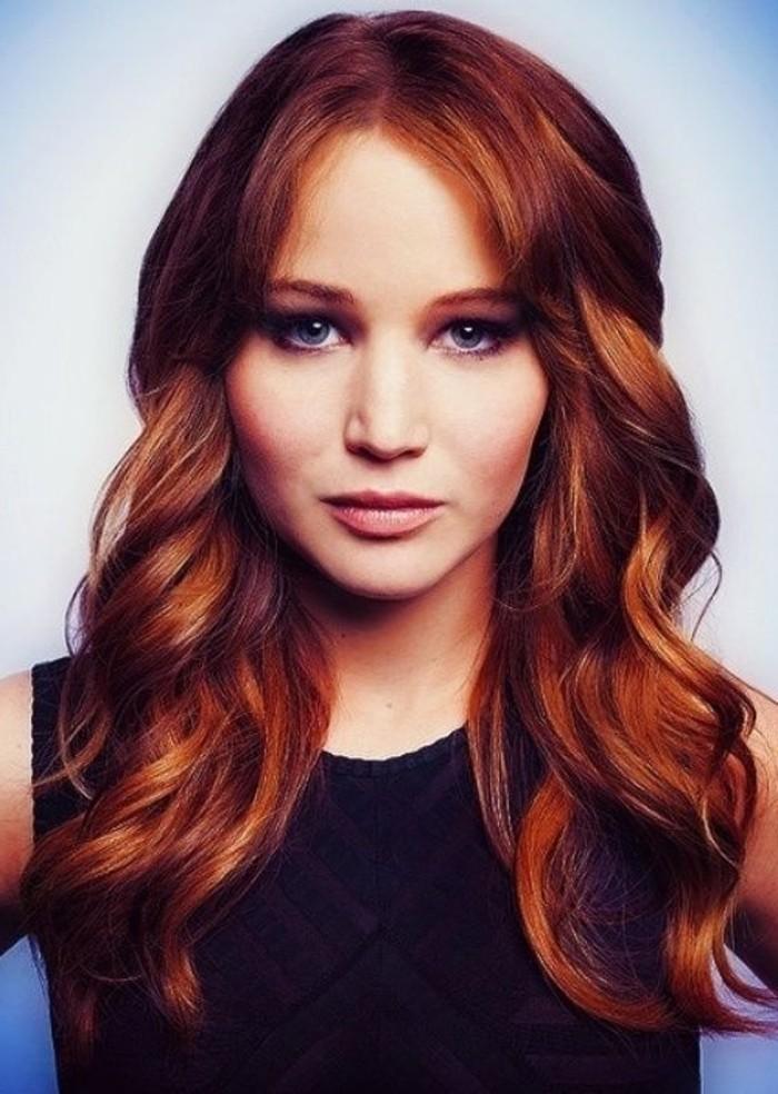 Jennifer-Lawrence-mit-attraktiven-roten-Haaren