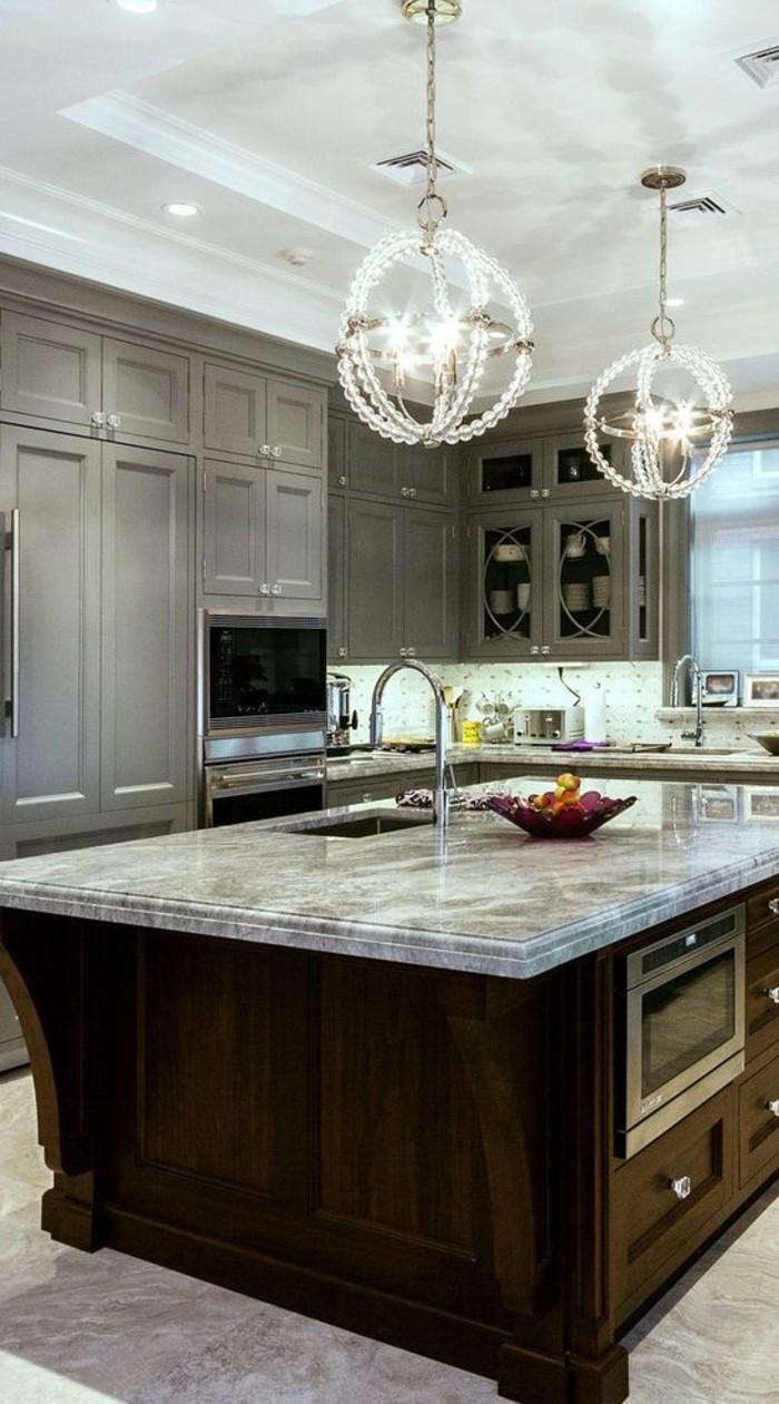 Marmor-Arbeitsplatte-graue-küche