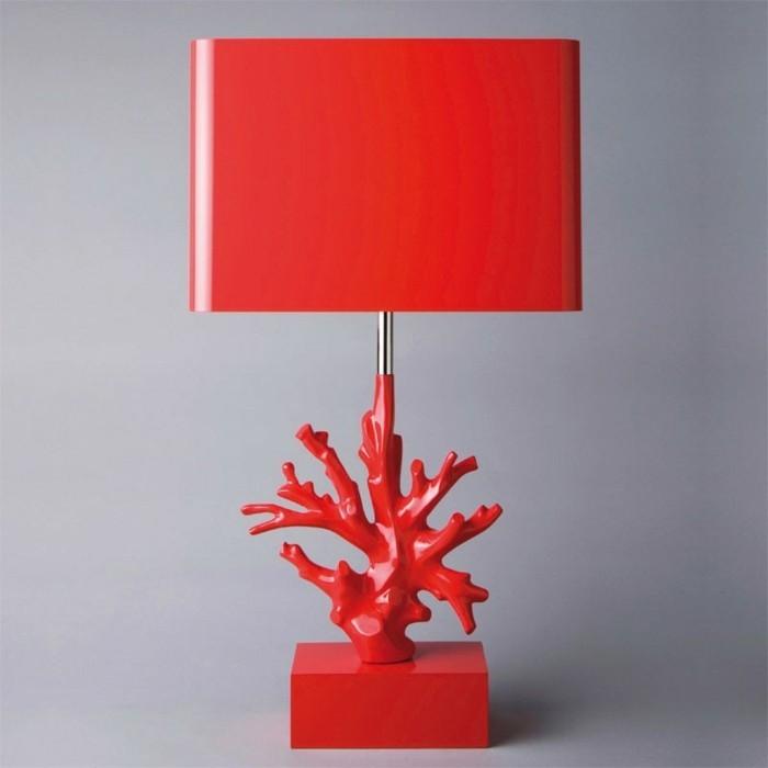Nachttischlampe-mit-super-kreativem-Design
