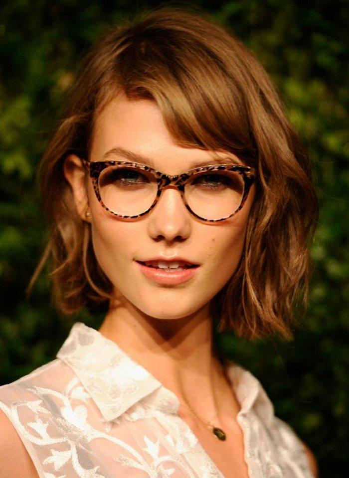 Nerdbrillen-für-Damen-attraktives-Modell