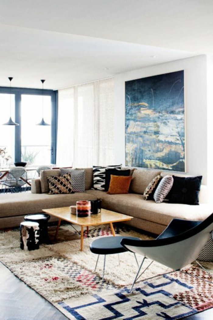 schöne wohnzimmer deko:schönes Wohnzimmer mit Ecksofa, dekoriert mit vielen Deko-Kissen