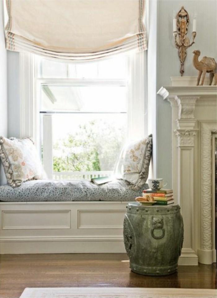 Sitzecke-am-Fensterbank-zwei-kissen