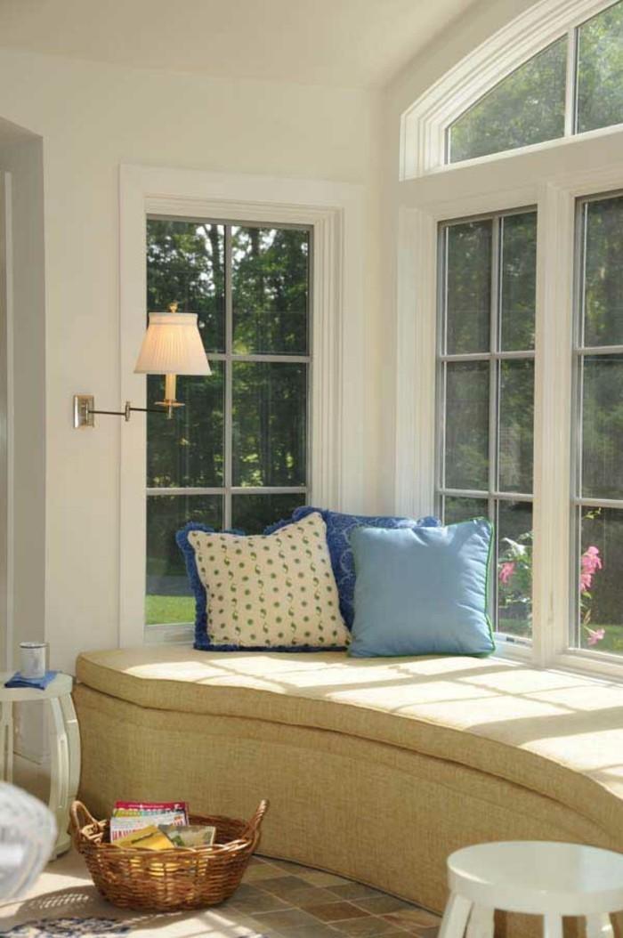 Sitzecke-auf-der-Fensterbank-polster