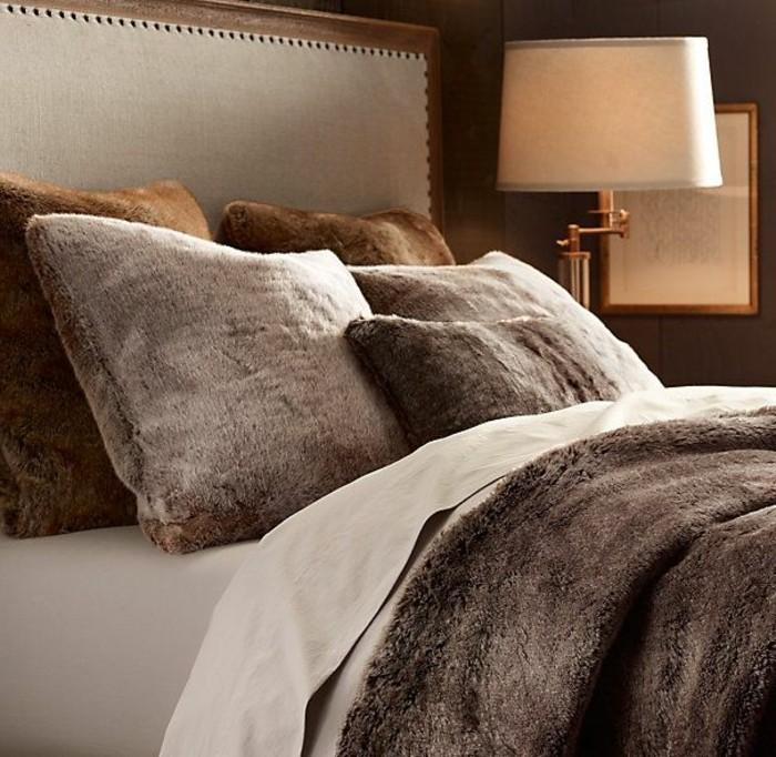 Tagesdecken-für-Betten-braun-und-kuschelig
