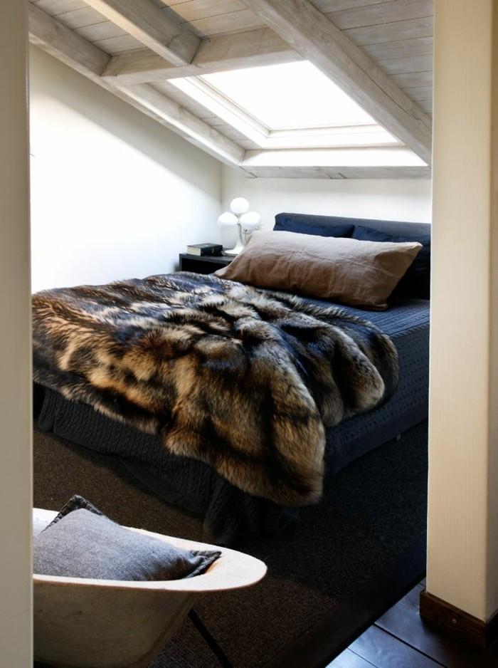 Tagesdecken-für-Betten-im-dachgeschoss