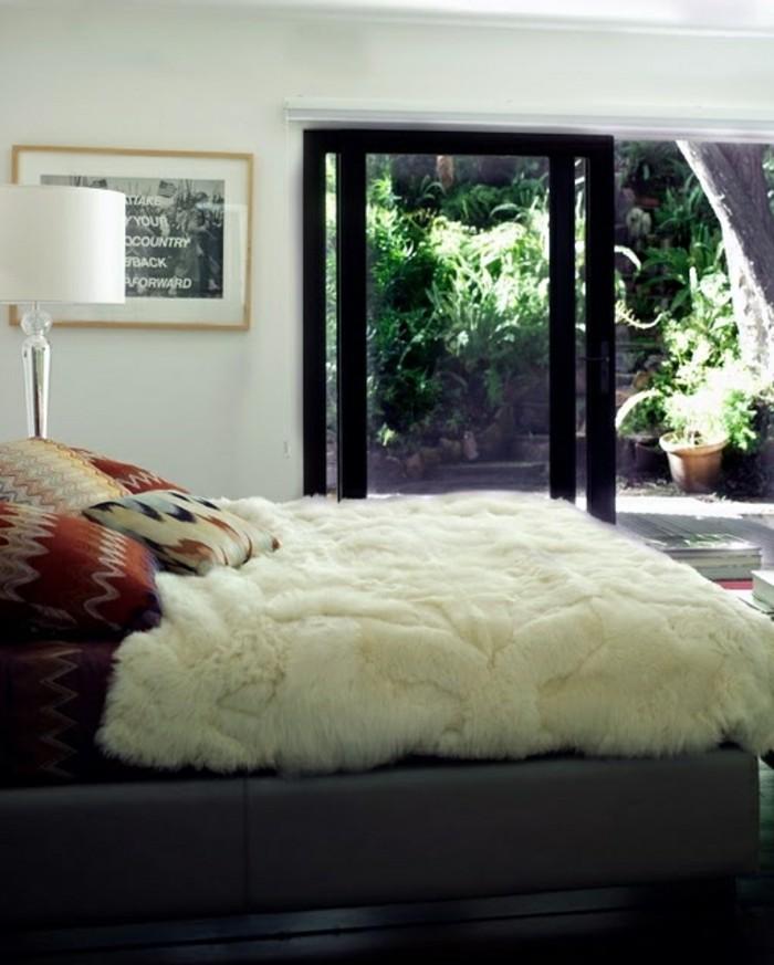 Tagesdecken-für-Betten-stehlampe-schlafzimmer-mit-balkon