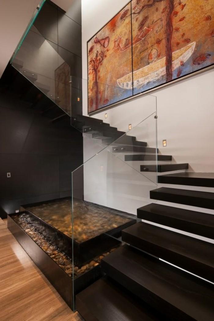Treppe-glasgeländer-und-groß-bild-wand