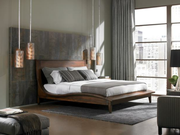 Dieses Schlafzimmer, zum Beispiel, ist nur mit Hängeleuchten ...