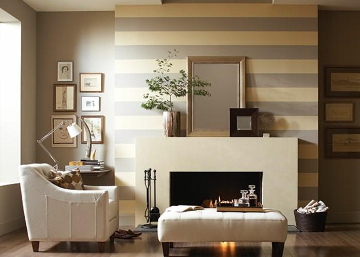 beige-wohnideen-fürs-wohnzimmer-weißer-kamin-kreative-wandgestaltung