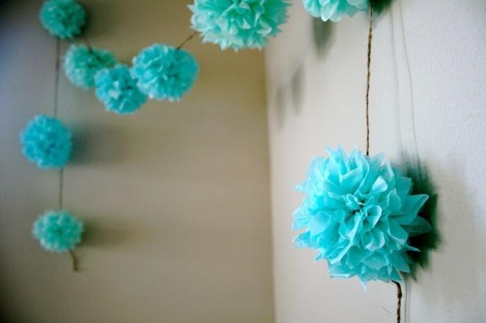 blaue-girlanden-interessantes-basteln-diy-ideen
