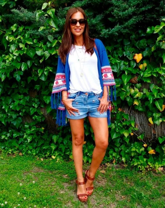 blaue-Kimono-Jacke-mit-Poncho-Muster