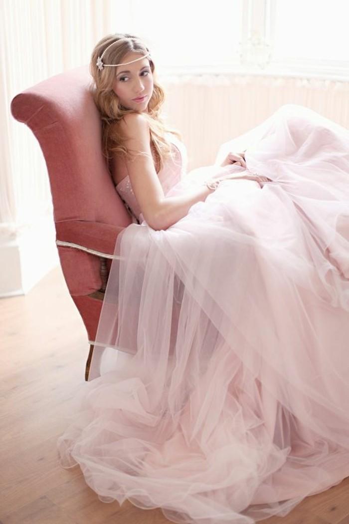brautkleid-in-rosa-schlicht