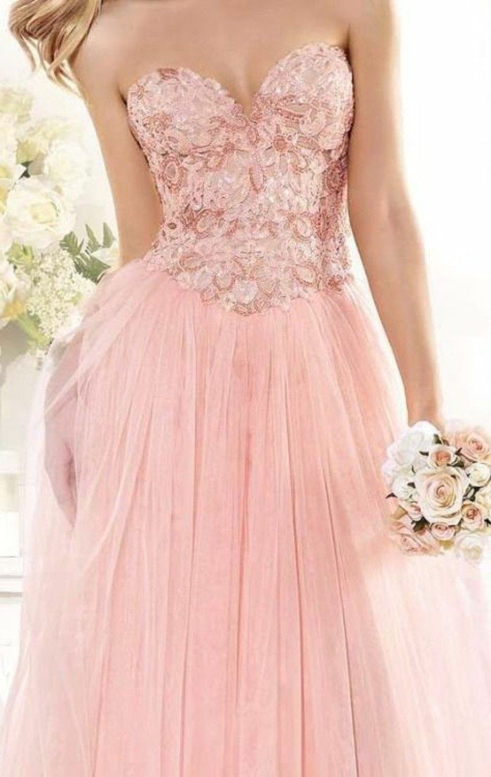 brautkleider-farbig-rosa