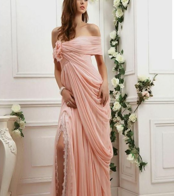 brautkleider-in-rosa-deko-mit-rosa