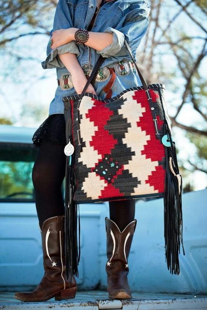 bunte-Navajo-Handtasche-mit-Fransen