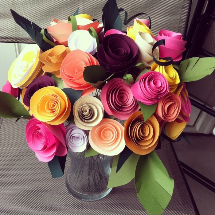 bunte-papierblumen-schöne-batselideen-attraktives-foto