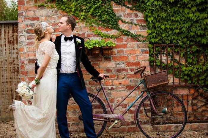 coole-Idee-für-Hochzeit-altes-retro-Fahrrad