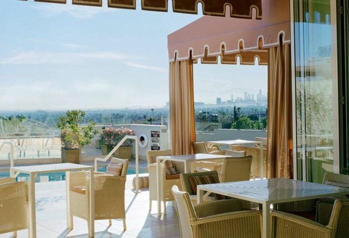 effektvolle-ausstattung-schönes-modell-terrasse
