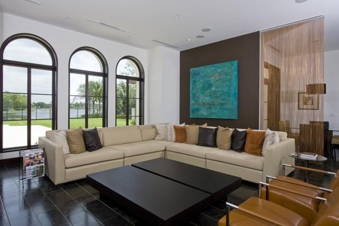 effektvollles-wohnzimmer-schöne-wohnideen-bild-an-der-wand-beige-sofa