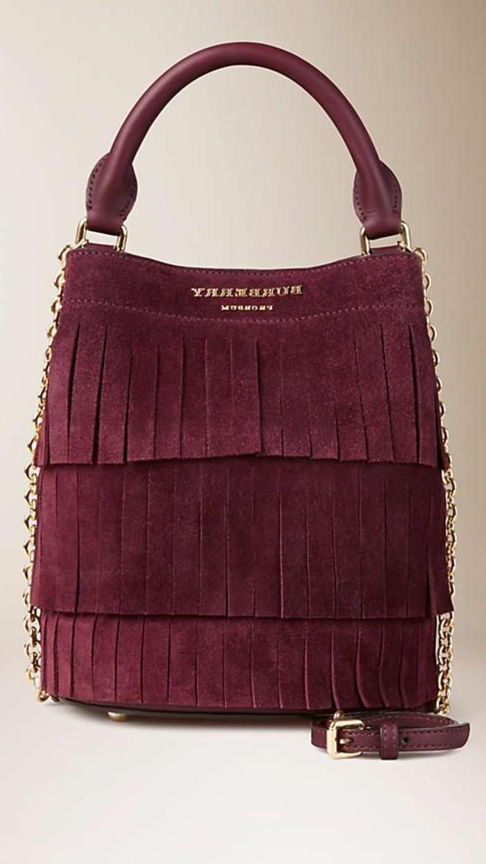 elegante-Handtasche-mit-Fransen-Modell-in-Weinrot-von-Burberry