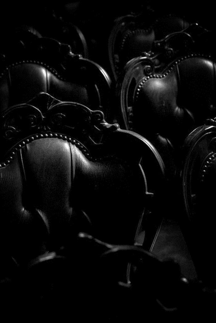 elegantes-Barock-Modell-Stuhl-aus-Leder