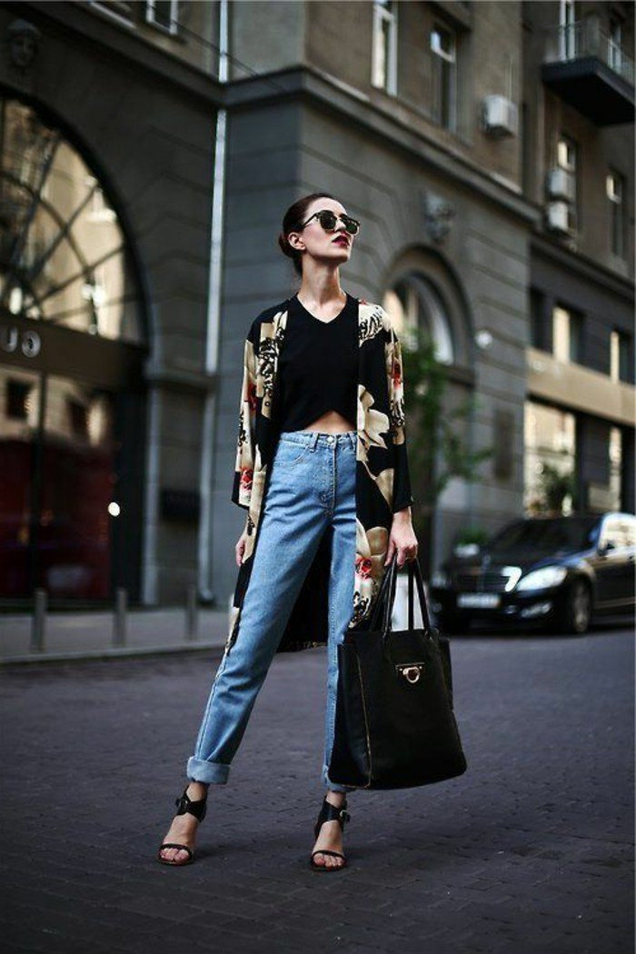 elegantes-Modell-langer-Kimono-Mantel