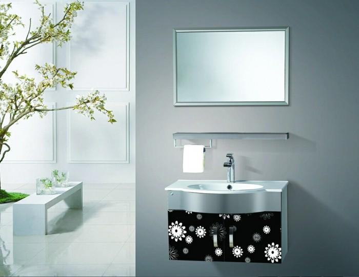 elegantes-badezimmer-mit-waschtisch-unterschrank-in-schwarzer-farbe