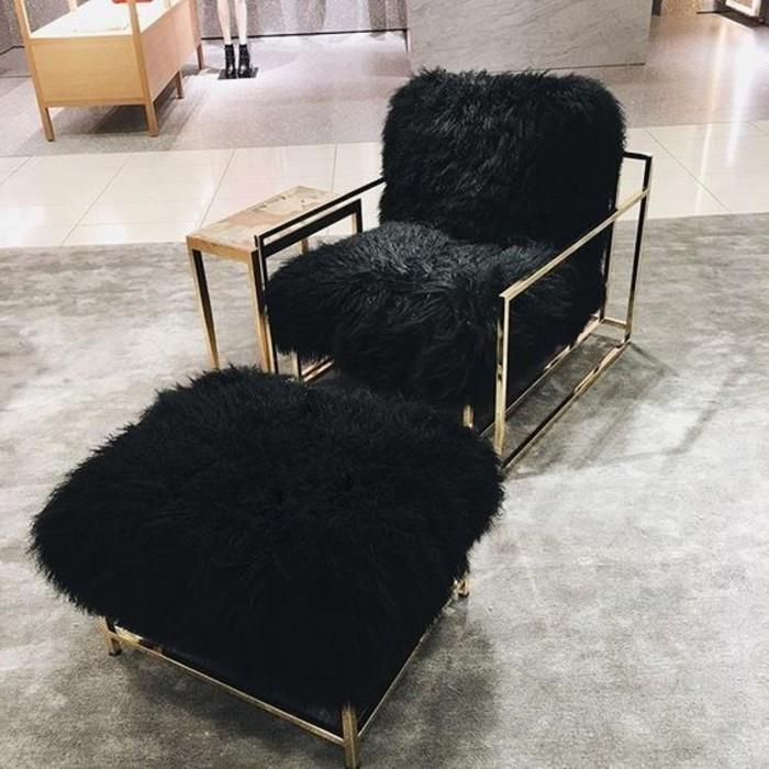schwarzer stuhl kombination von komfort und stil. Black Bedroom Furniture Sets. Home Design Ideas