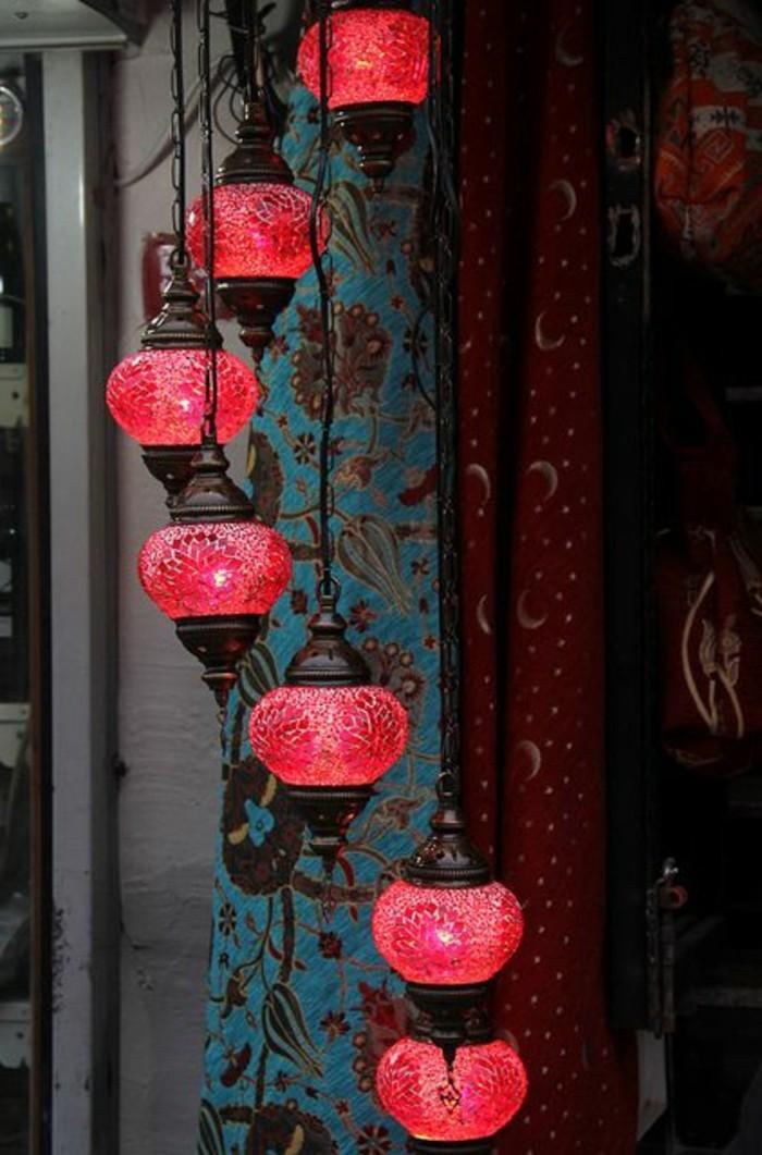 fantastische-Idee-fürs-Schlafzimmer-rote-türkische-Lampen