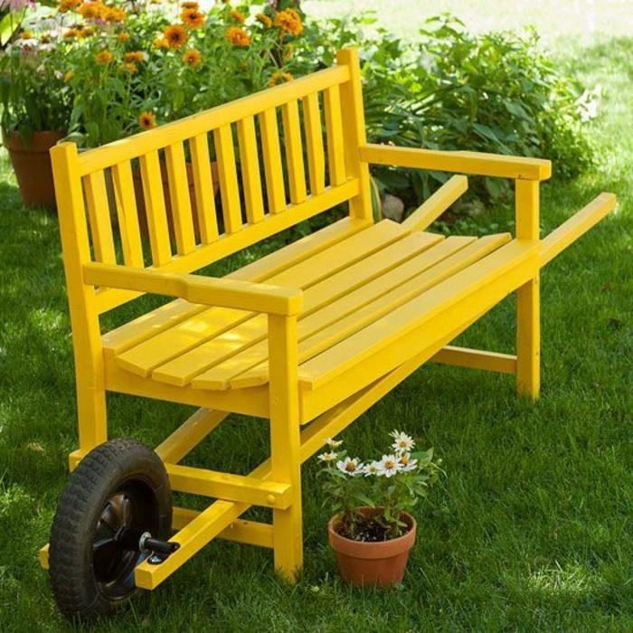 gelbe-Gartenbank-mit-interessantem-Design