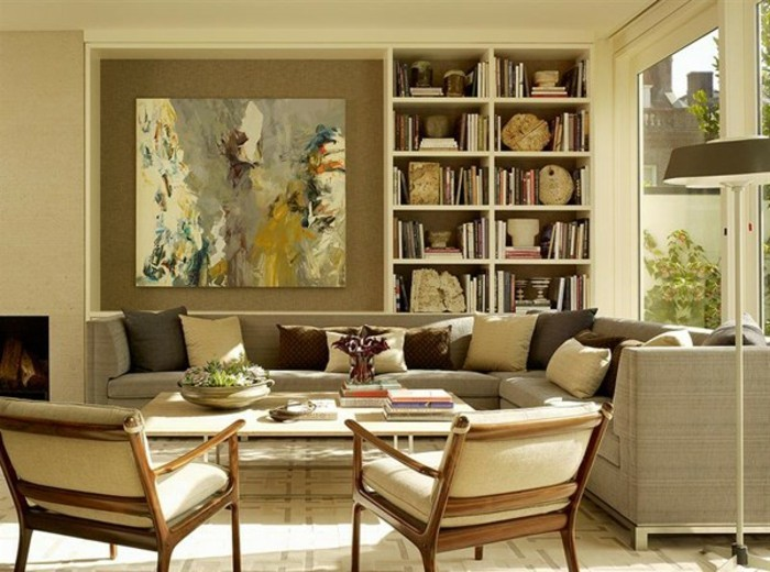 goldene-gestaltung-beige-stühle-im-wohnzimmer-schöne-wohnideen