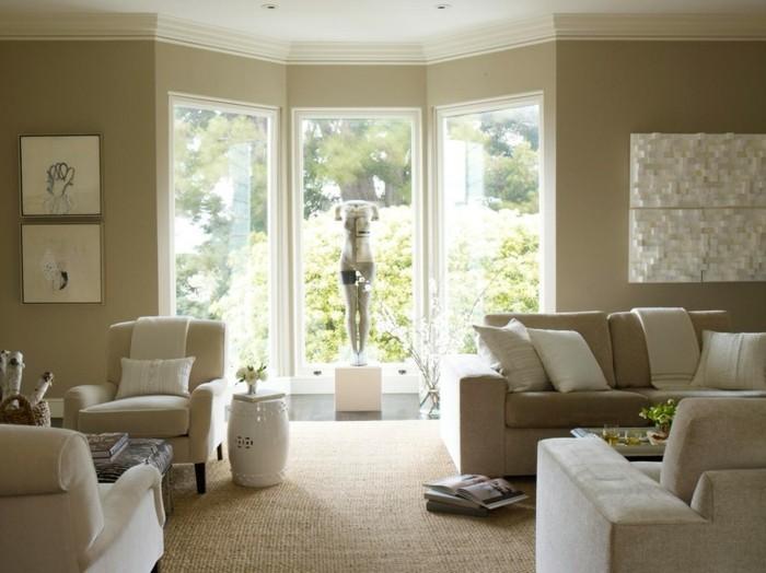 große-fenster-wohnzimmer-in-beige-tolles-ambiente