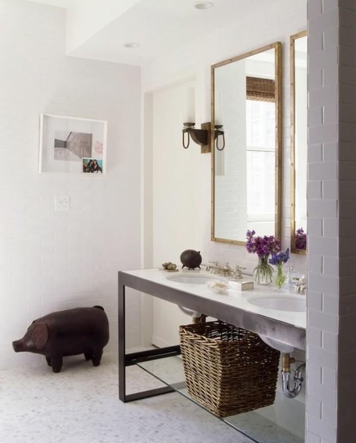 großer-spiegel-elegantes-modell-waschtisch-selber-bauen-weißes-badezimmer