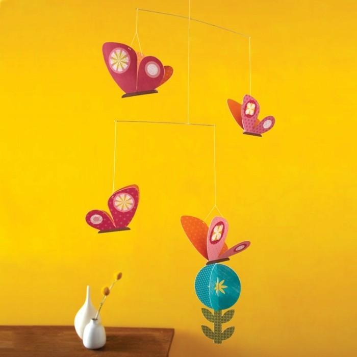 hängende-papier-schmetterlinge-wunderschönes-foto-papierbasteln