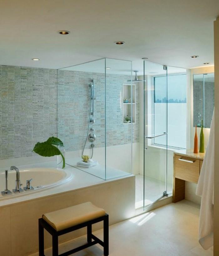interessante-moderne-duschkabine-aus-glas-tolles-design-von-bad