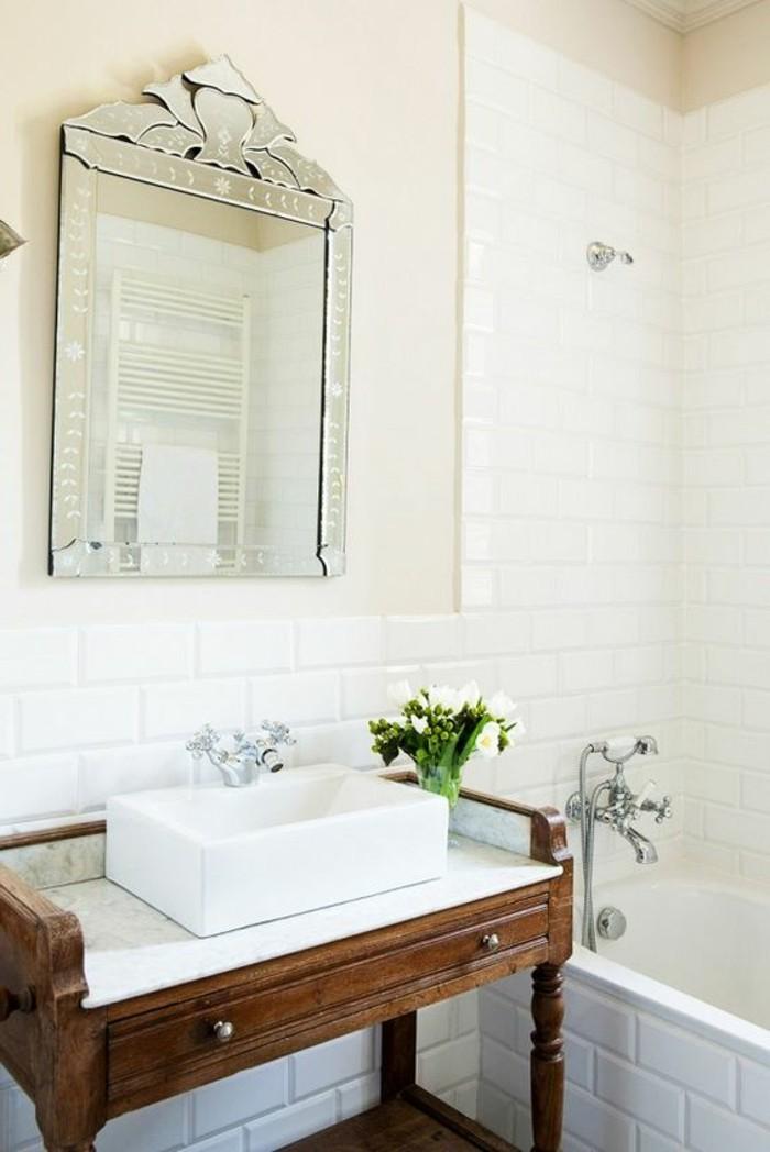 kleines-badezimmer-waschtisch-selber-bauen-weiße-wände