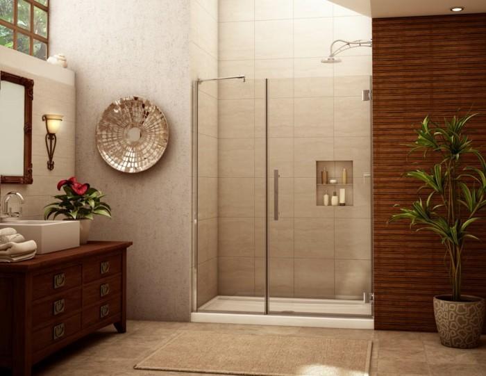 kleines-tolles-badezimmer-mit-interessanten-glasduschwänden