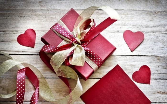 kostenlose-bilder-valentinstag-wallpaper-mit-schönen-geschenken