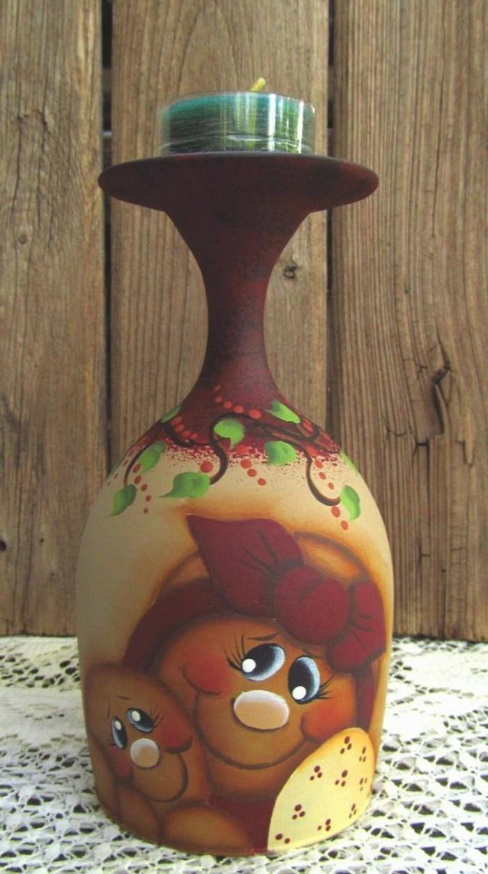 kreative-DIY-Idee-für-Teelichthalter-bemaltes-Weinglas