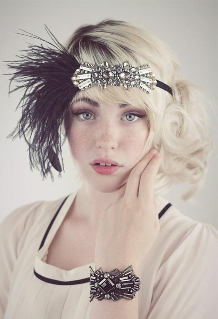 kreatives-foto-20er-mode-schöne-accessoires-blonde-haare