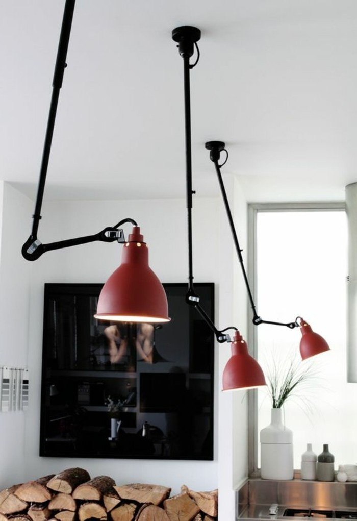moderne-Wohnung-flexible-rote-Lampen